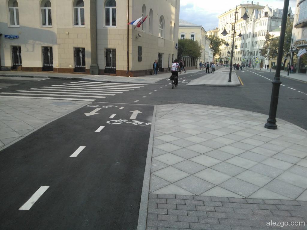 велодорожка на пятницкой, велодорожка на пятницкой улице