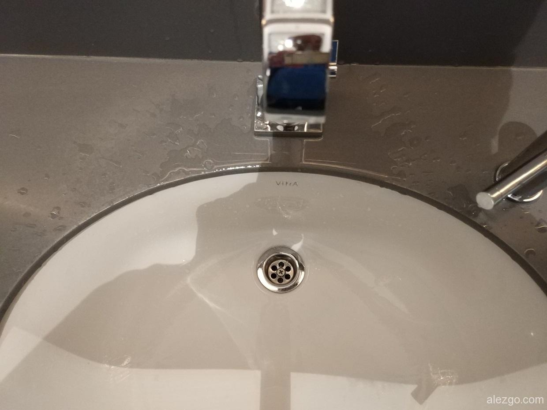 сантехника vitra, короткий кран